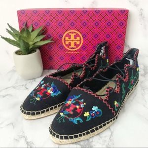 Tory Burch   10.5 Sonoma Embroidered Ghillie Flat